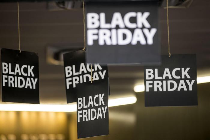 Black Friday 2018 abbigliamento: i siti che aderiscono agli sconti