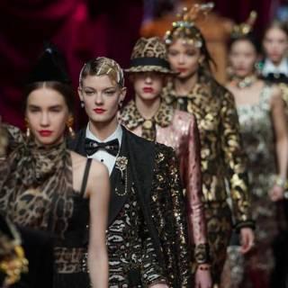 53b651e30d405 Dolce   Gabbana collezione fall winter 2019-20 ha sfilato a Milano