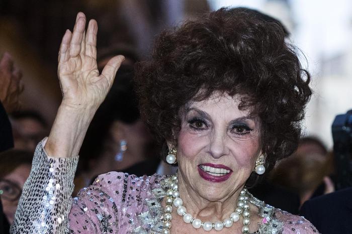 """Gina Lollobrigida: """"Saddam Hussein e Castro mi hanno corteggiata"""""""