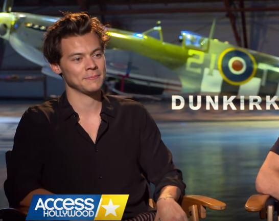 Harry Styles parla del taglio di capelli per Dunkirk! VIDEO