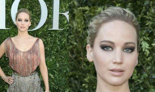 Jennifer Lawrence in Dior, lingerie a vista a Parigi