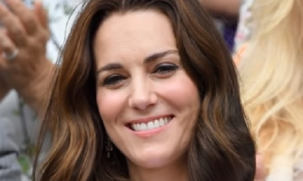 "Kate Middleton, strano divieto: ""La duchessa non può..."
