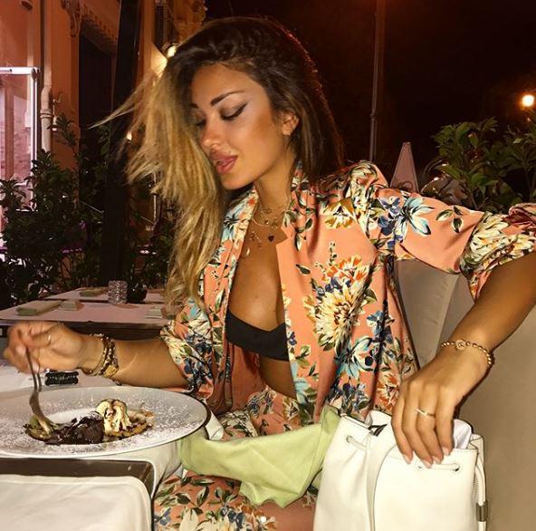Rosa Perrotta, dieta può attendere: non rinuncia al dolce FOTO