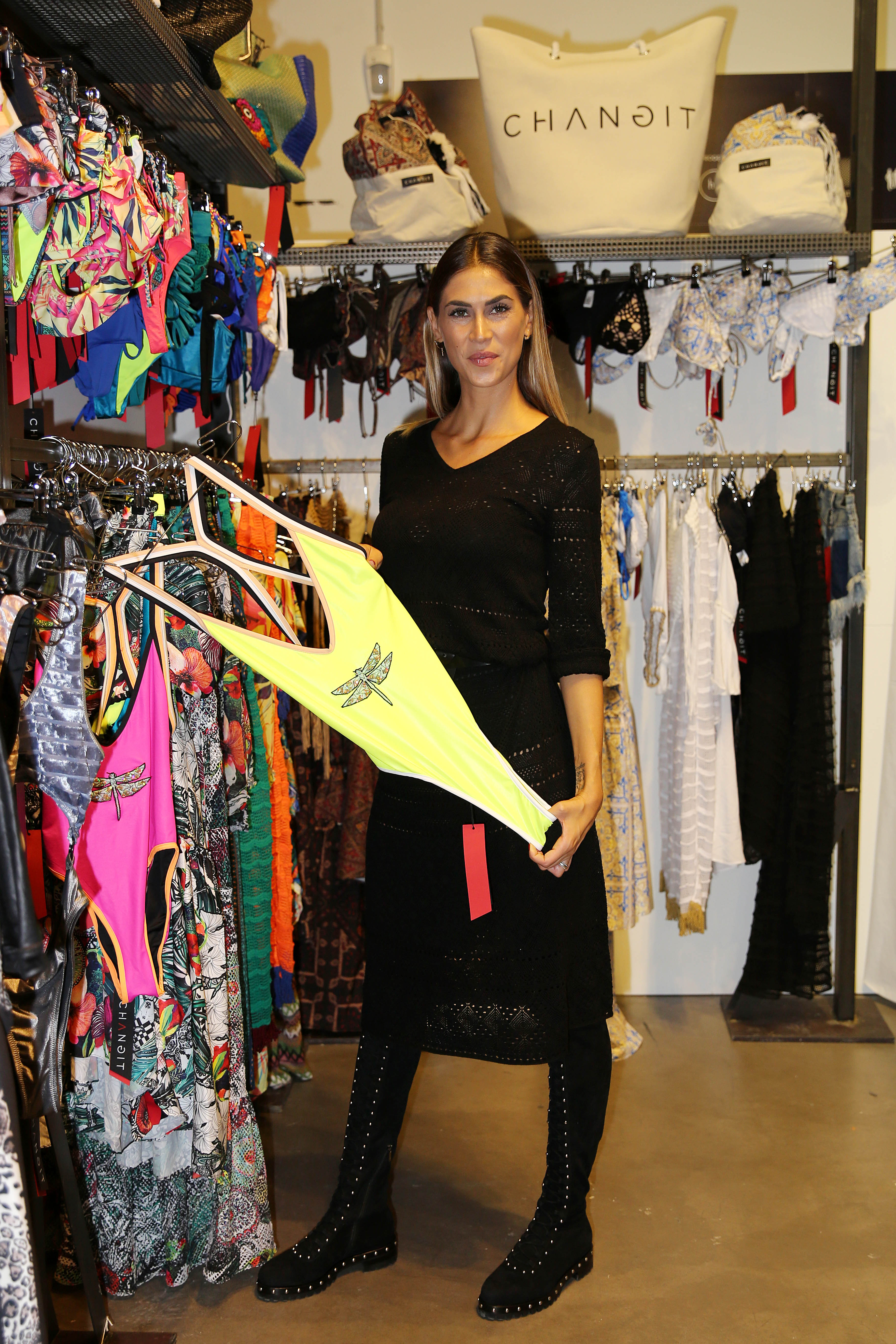 Melissa Satta diventa stilista per CHANGIT: collezione beachwear