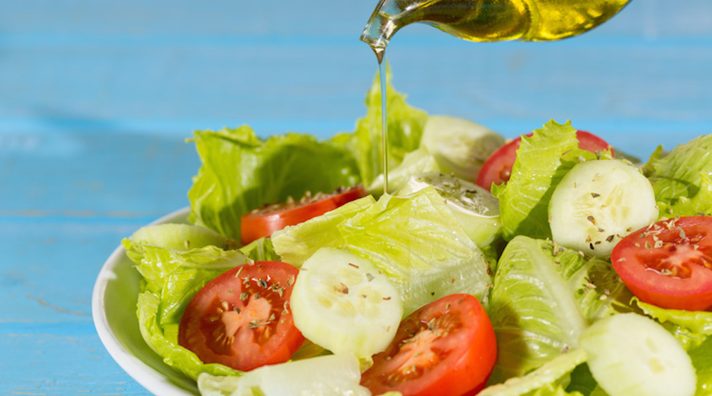 dieta-insalata-olio
