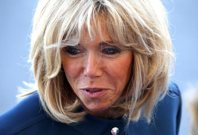 """Molestie, Brigitte Macron: """"Donne che ne parlano coraggiose"""""""