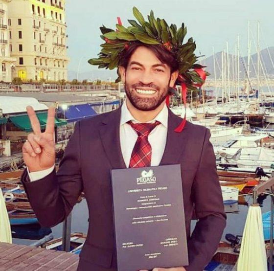 Gianni-Sperti-laureato