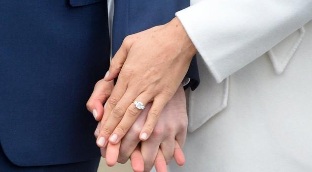 meghan-markle-harry-anello-fidanzamento