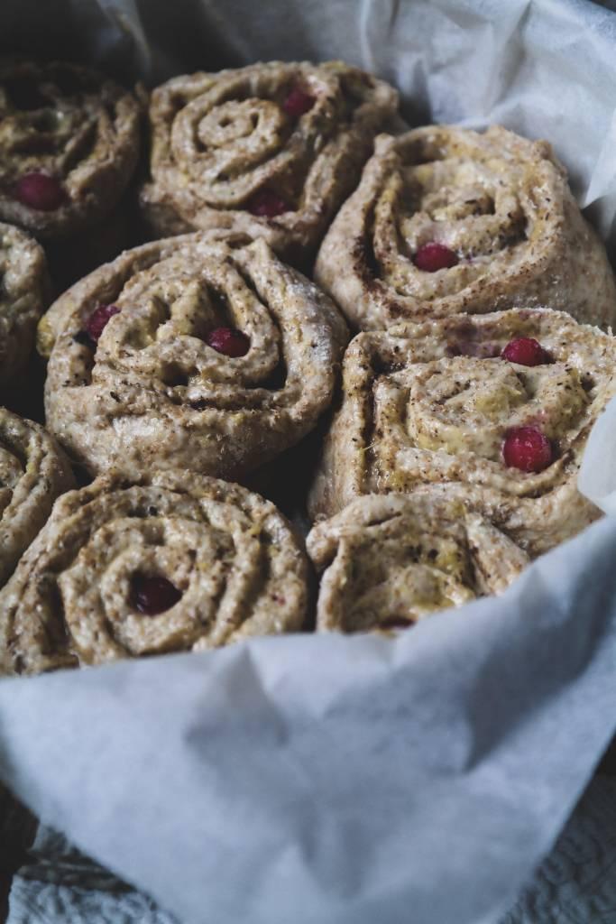 Contest: Torta di rose vegan senza burro, uova e margarina in versionenatalizia (di Julie Ann Giovanola)