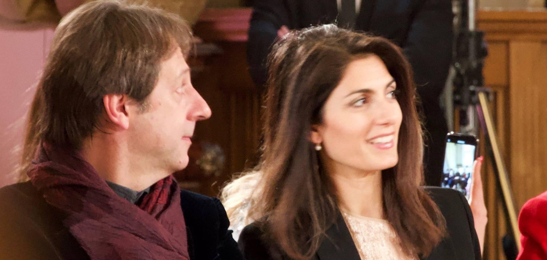 Virginia Raggi, sobria e chic alla sfilata Renato Balestra FOTO