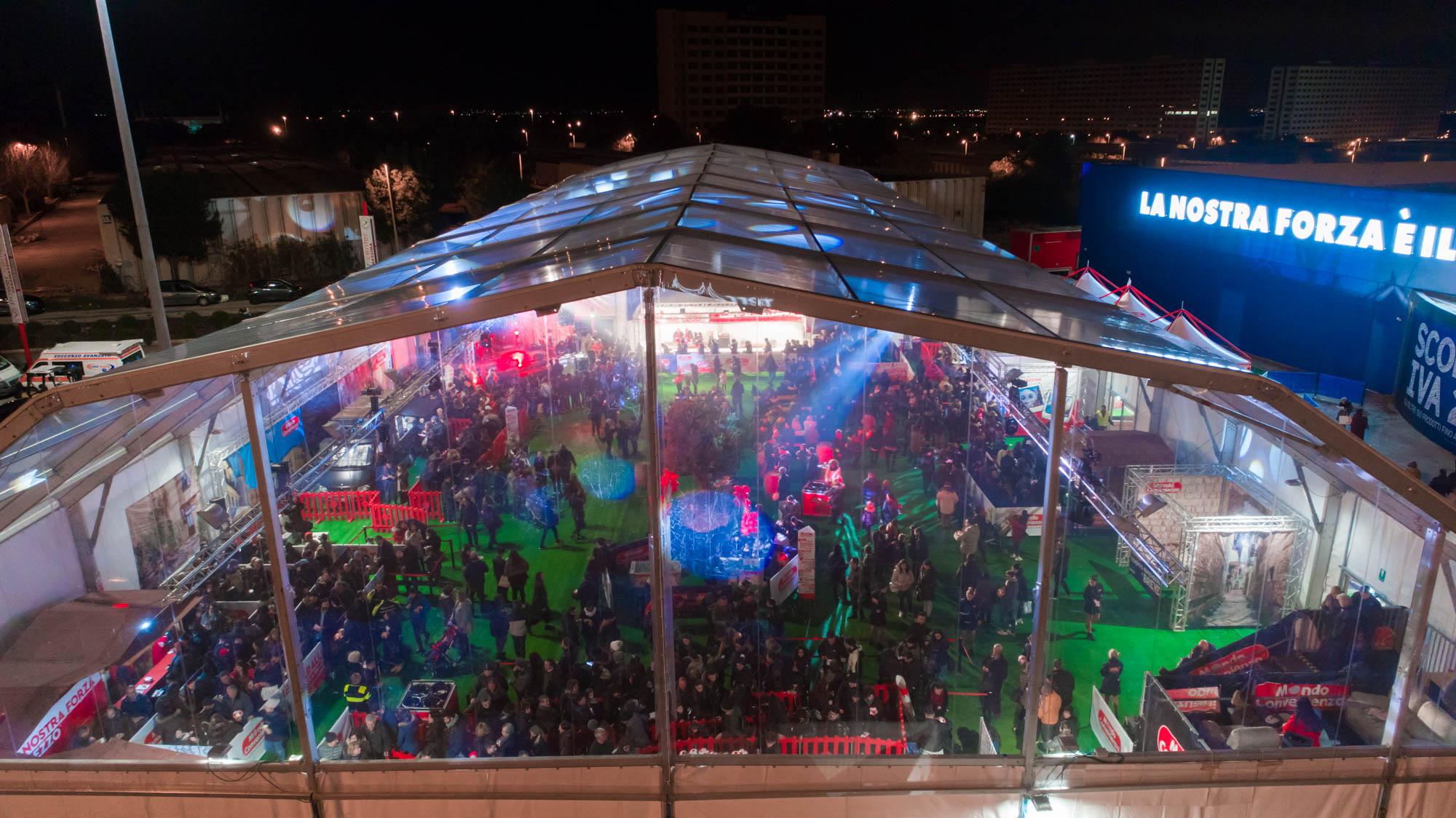 Mondo Convenienza apre a Casamassima: oltre 35mila persone all'inaugurazione