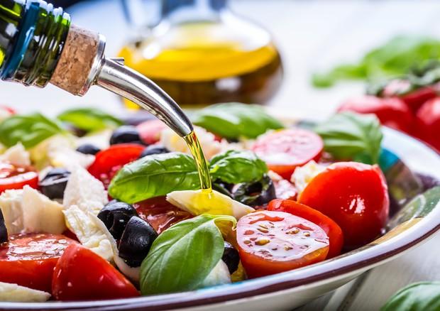 Dieta anti invecchiamento: ecco quella migliore, li dice uno studio