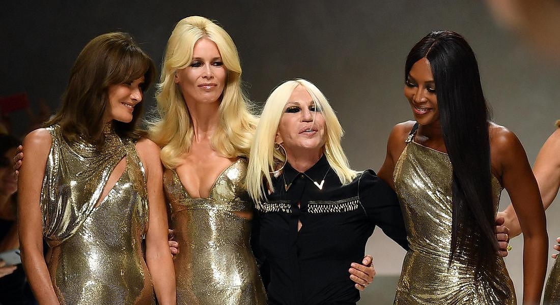"""Versace dice addio alle pellicce: """"Basta uccidere animali"""""""