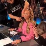 Jennifer Lopez al trucco negli studi della Nbc