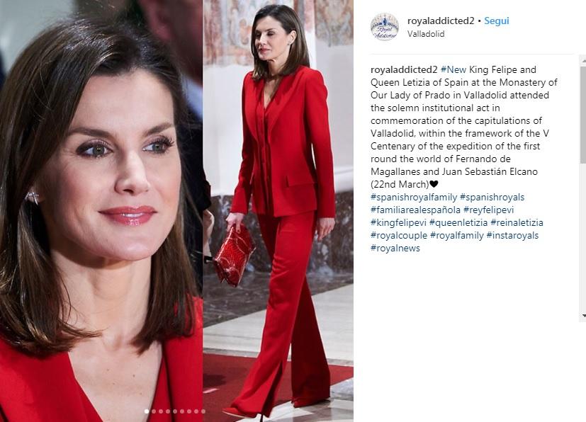 Letizia Ortiz, tailleur rosso e tacchi a Valladolid