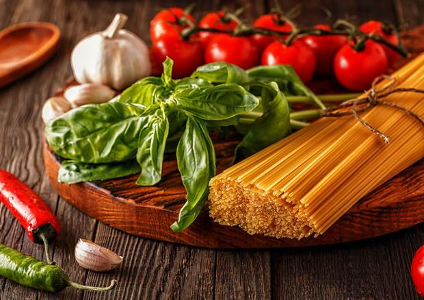 Dieta mediterranea fa bene all'intestino: aumenta i batteri buoni