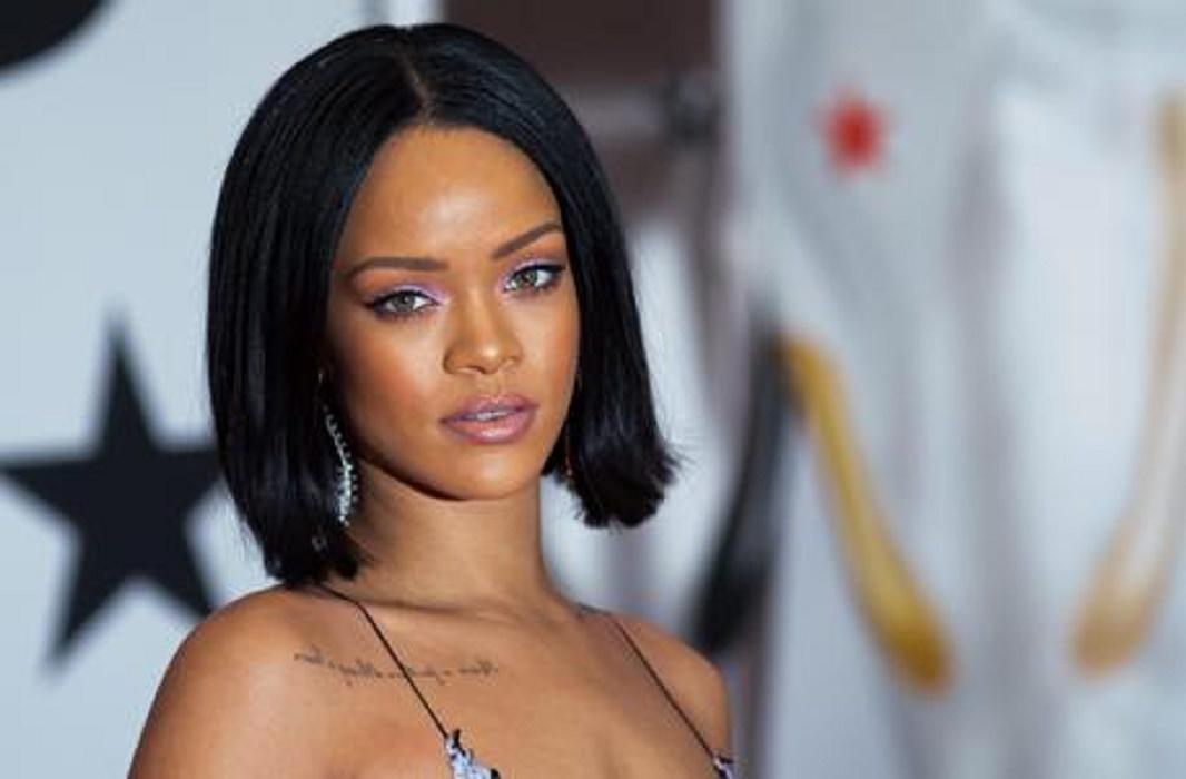 Rihanna, ecco il prodotto da 10 euro che usa per capelli al top