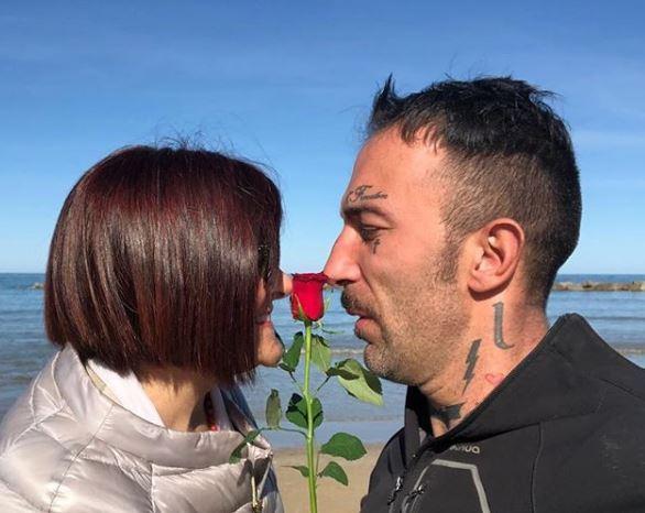 """Simone Coccia: """"Mai tradito Stefania, per lei ho appeso le mutande al muro"""""""