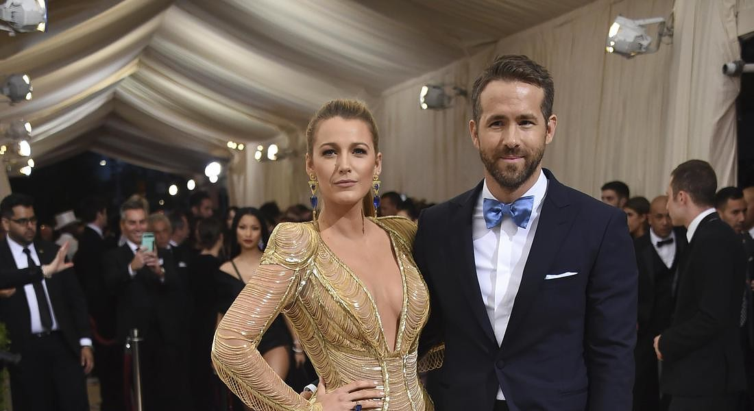 Blake Lively, mistero Instagram: cancella foto e smette di seguire Ryan Reynolds