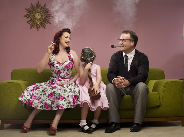 Fumo davanti ai tuoi figli? Ecco come danneggi la loro salute
