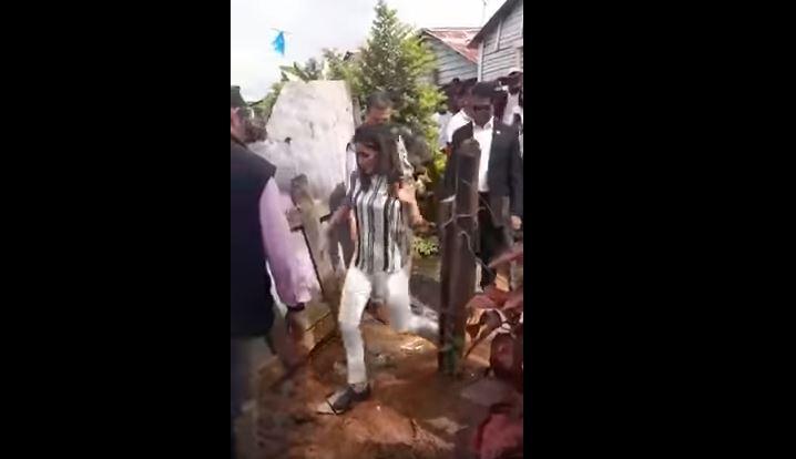 Letizia Ortiz inciampa durante la visita nella Repubblica Dominicana VIDEO