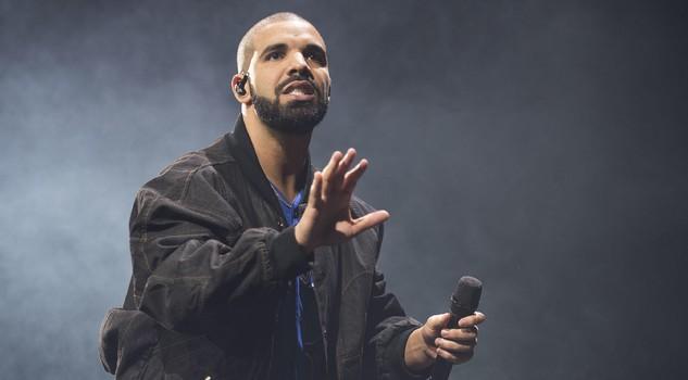 """Drake conferma di avere un figlio nel testo del brano """"Emotionless""""?"""