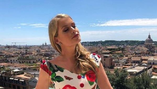 Lady Kitty Spencer a Roma per Bulgari: abito Dolce e Gabbana