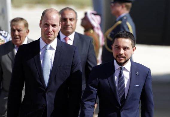 William in Giordania senza Kate, ma il principe Al Hussein lo sorprende con...