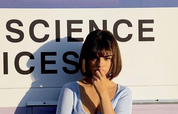 """Selena Gomez si sente meglio: """"Sta facendo molto..."""