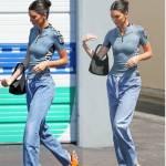 Kendall Jenner con i sandali ispirati all'emoji3
