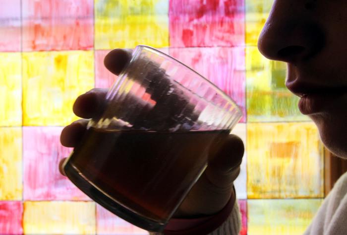 Abbuffate alcoliche, divertimento di una sera o tendenza pericolosa?