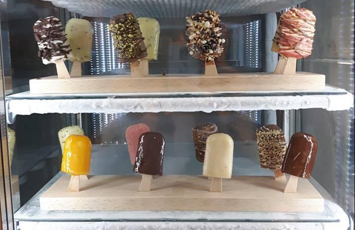 Ha aperto a Roma Geloso Gelato, il gelato naturale (super fashion) su stecco