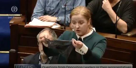 """""""Vittima indossava il tanga"""": assolto 27enne accusato di stupro in Irlanda"""