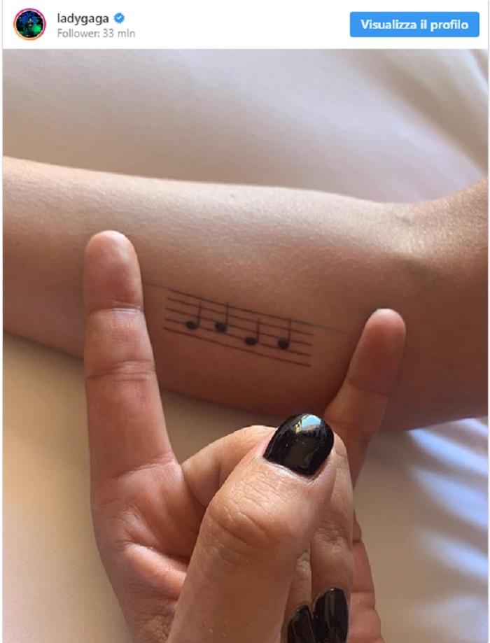Lady Gaga, il nuovo tatuaggio2