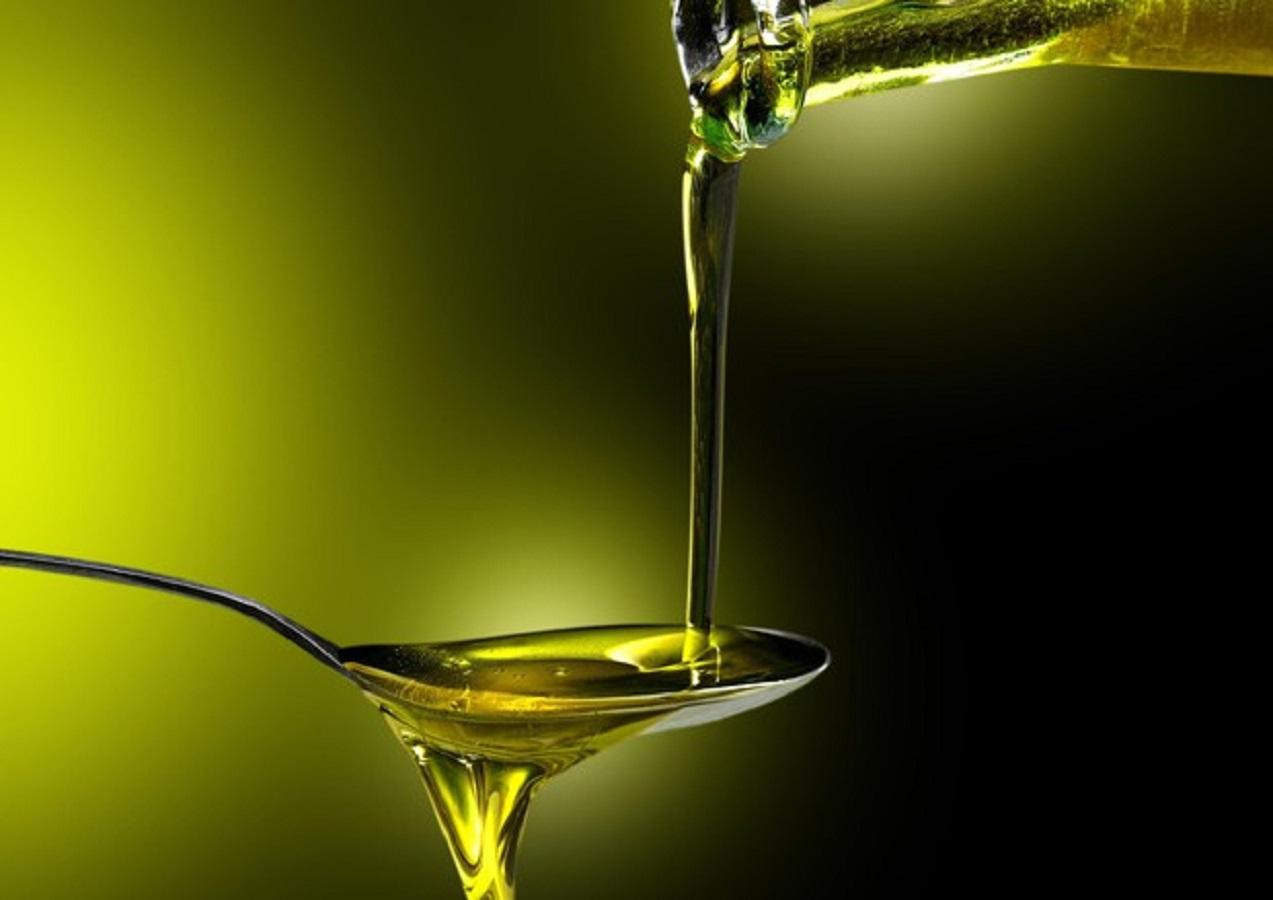 Colesterolo alto, contrastalo con l'olio di semi di cotone