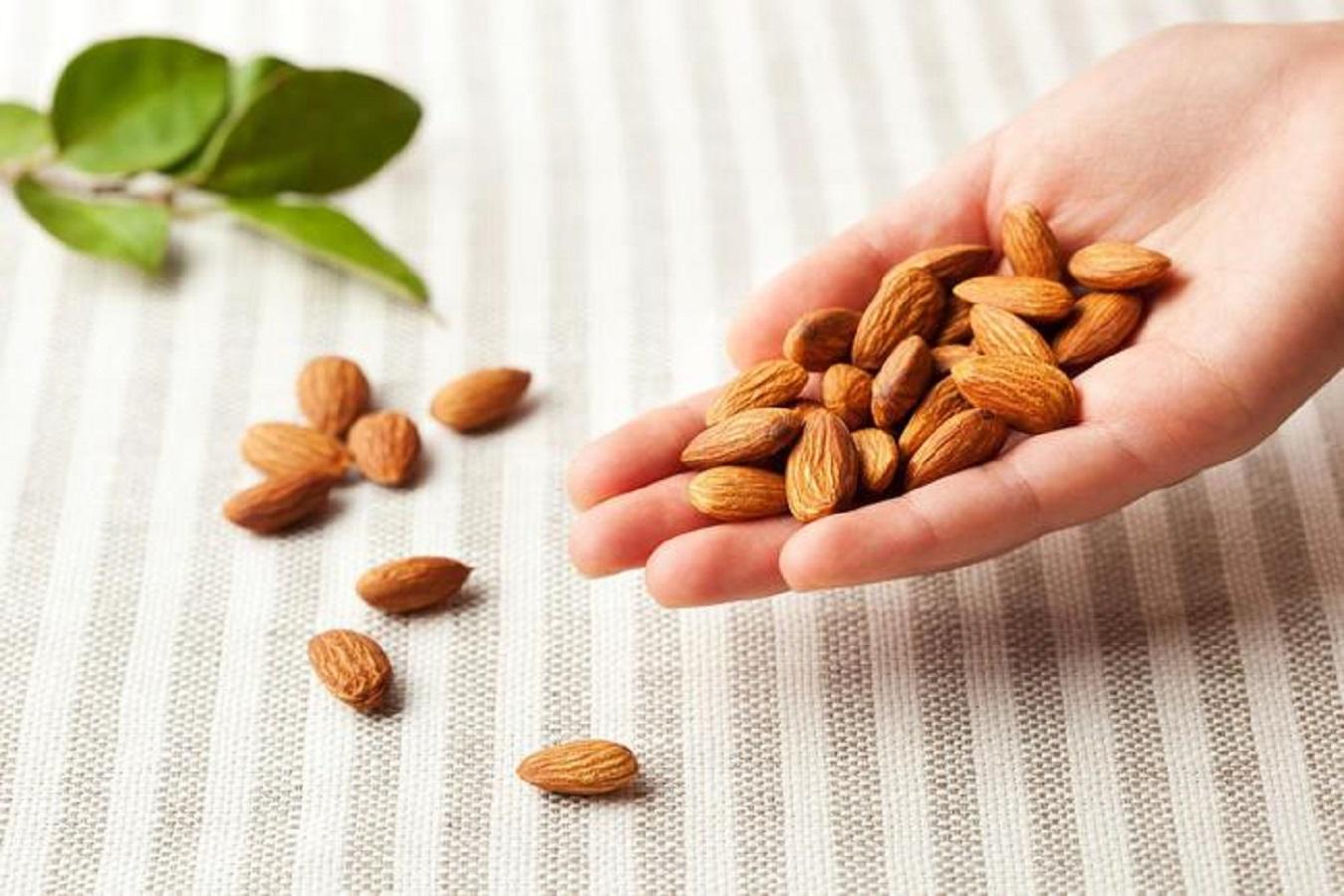 Frutta secca, ideale per la dieta e contro il colesterolo