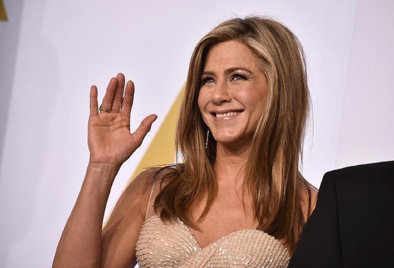 Jennifer Aniston, la maschera di bellezza che usa da 20 anni