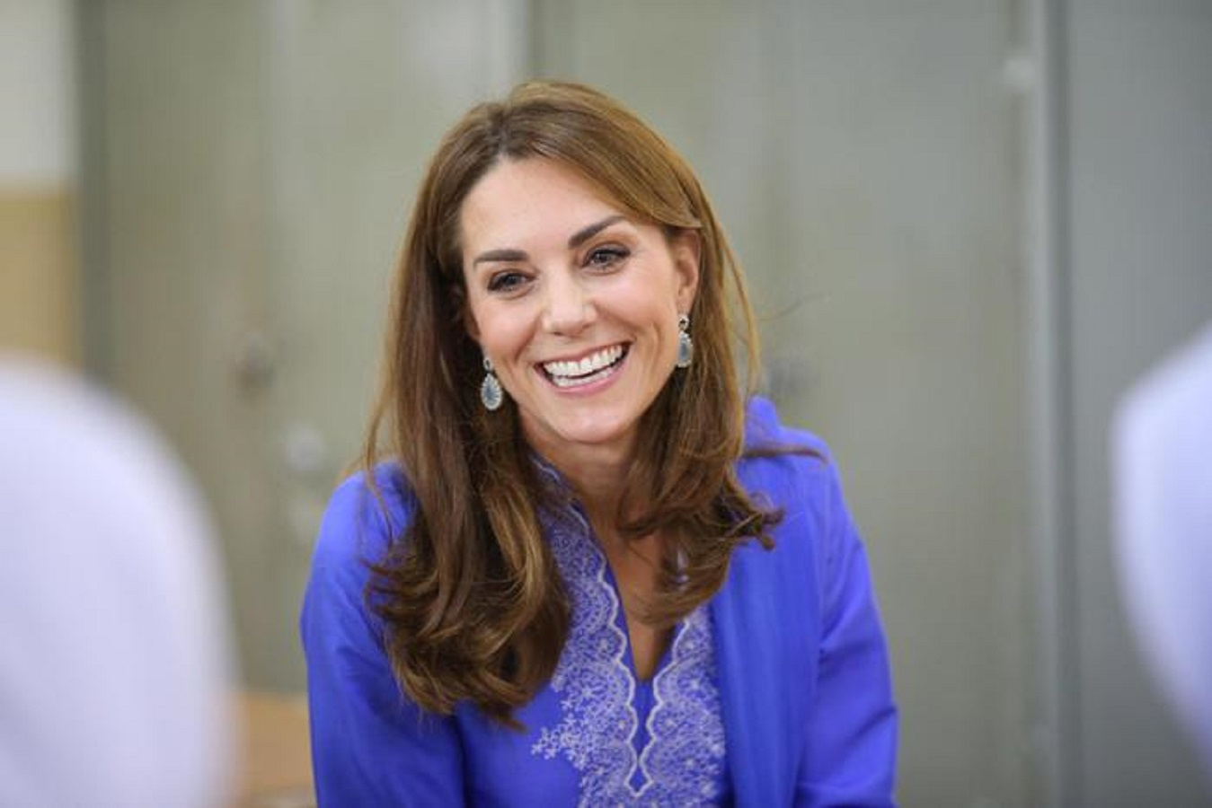 Kate Middleton, stivali scamosciati bassi: dove comprarli