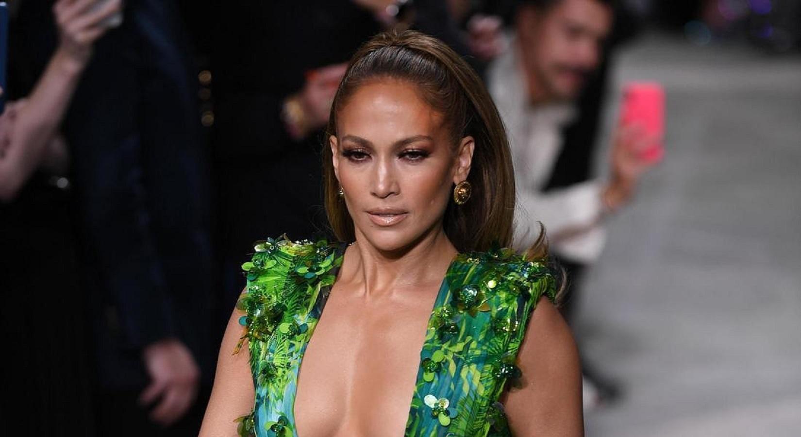 La crema viso approvata da Jennifer Lopez che mette le rughe ko