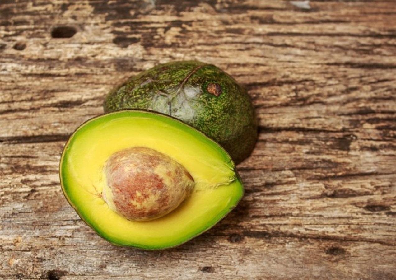 Avocado, come tagliarlo per ottenere maggiori benefici