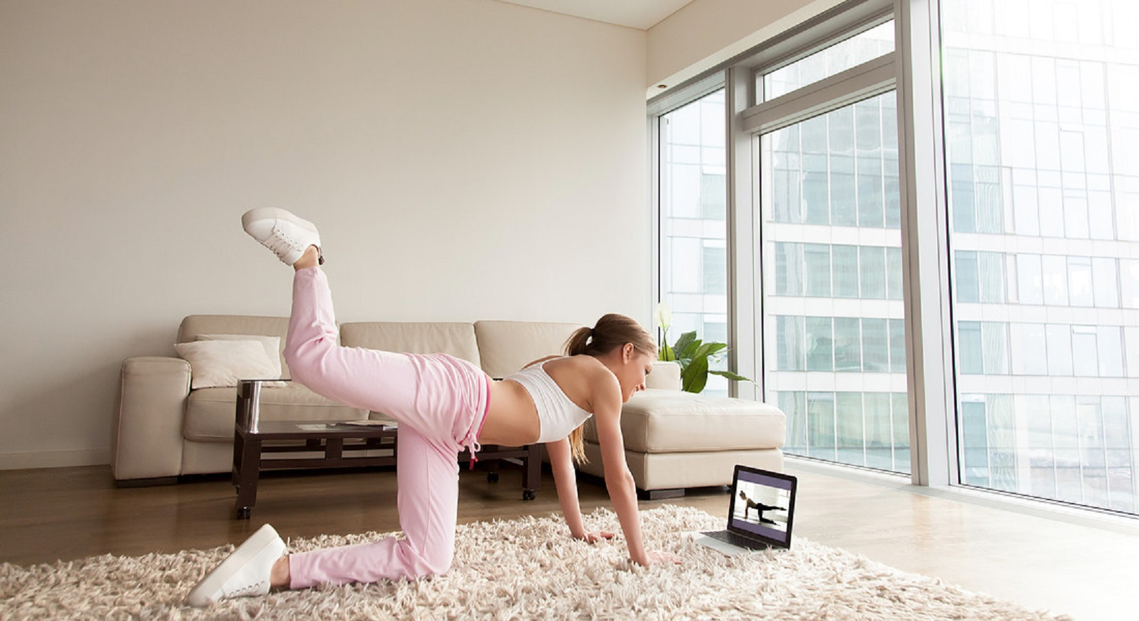 Glutei sodi in 10 minuti: il booty workout da provare