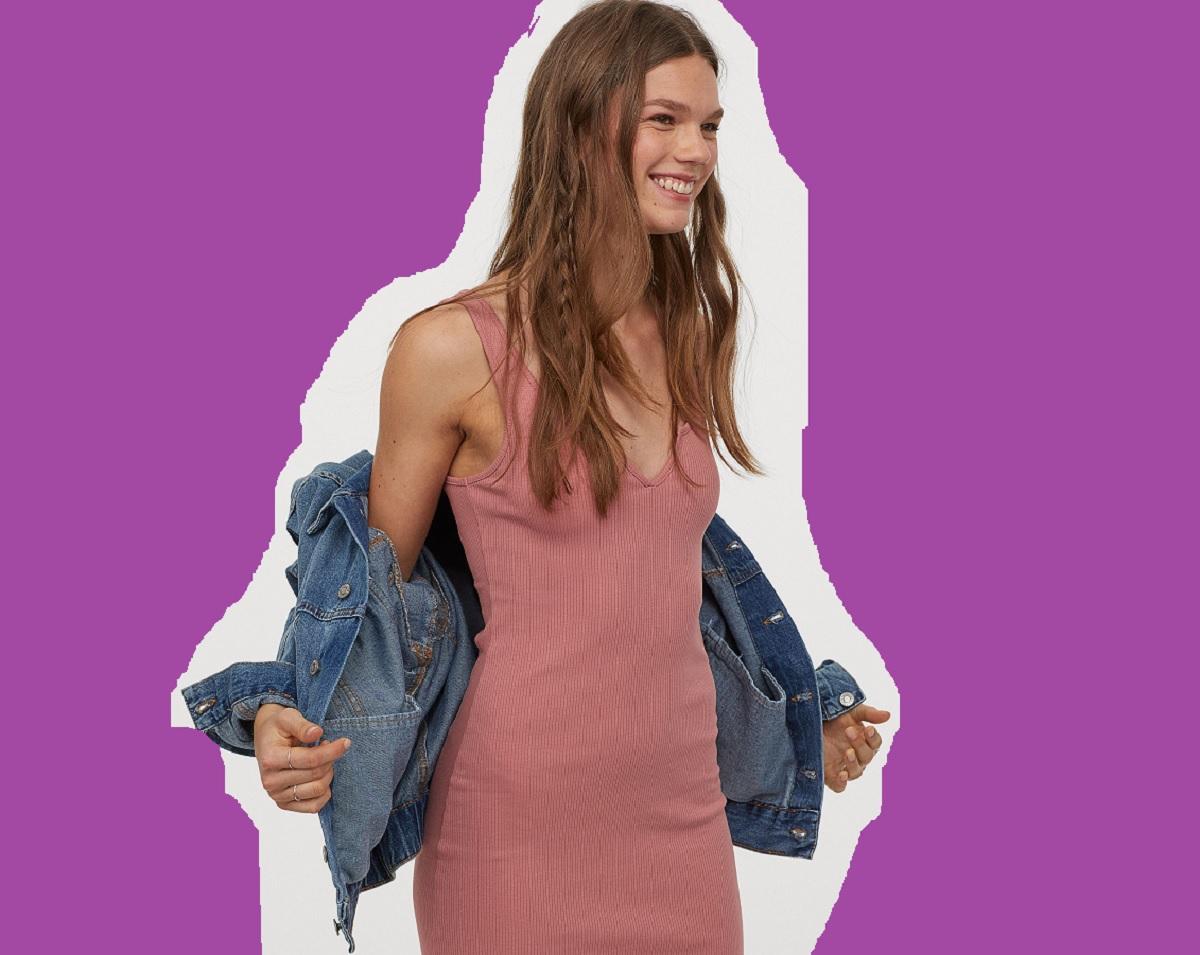 Il vestito di HM versatile, da indossare a casa e quando potremo uscire (di nuovo)