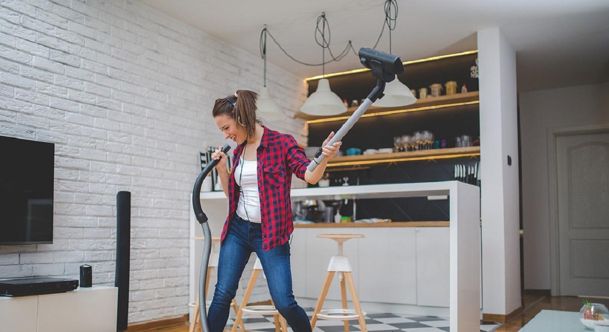 playlist canzoni per pulizie domestiche