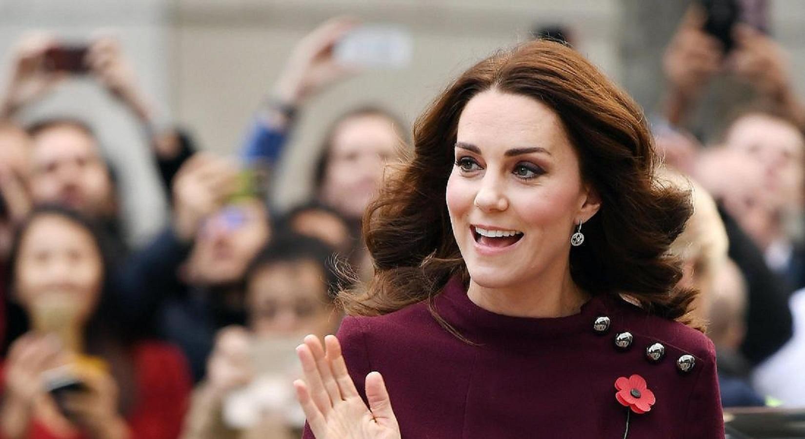 Kate Middleton tiene sempre la borsa a sinistra per uno specifico motivo