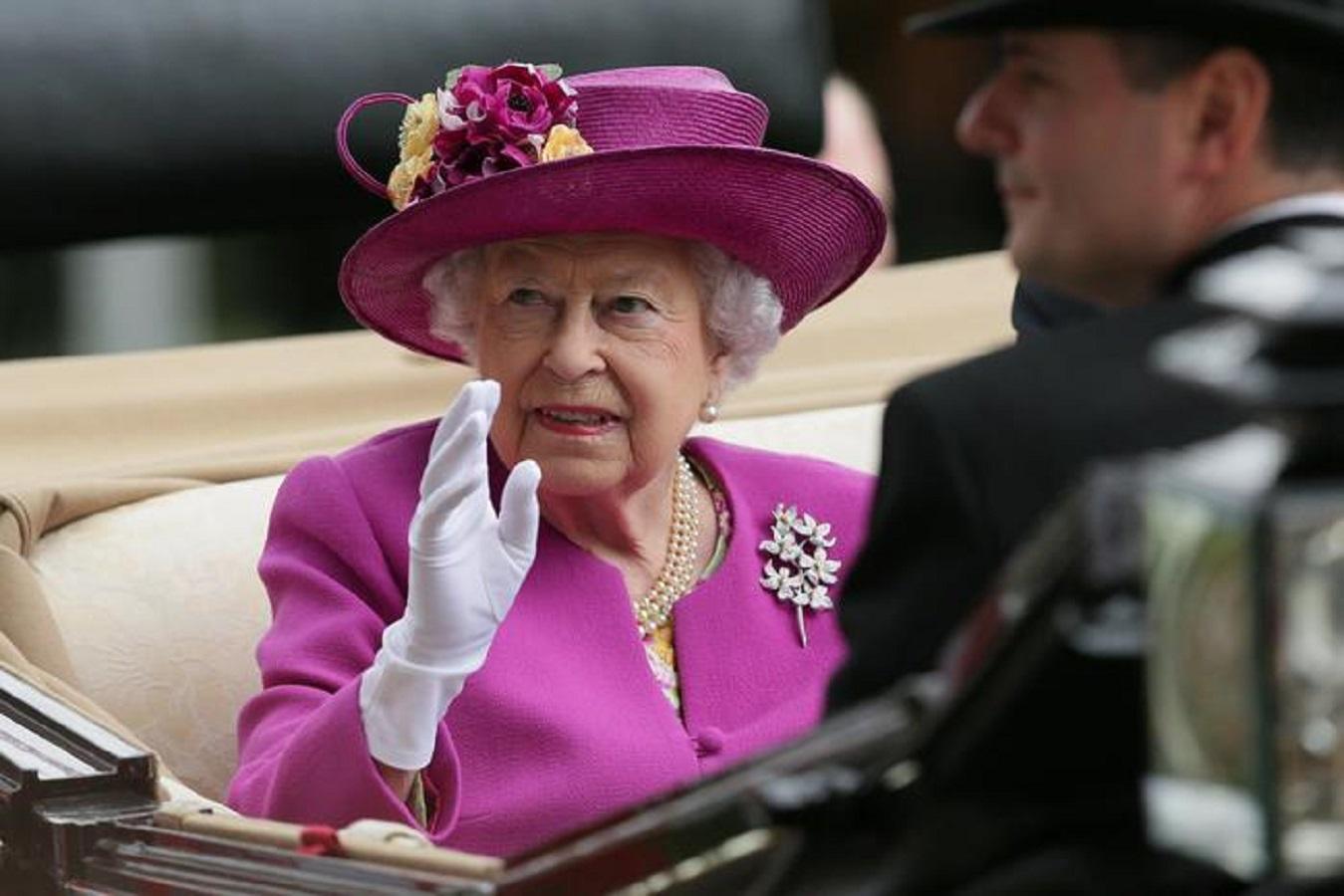 La regina Elisabetta ha preso una decisione radicale contro Harvey Weinstein