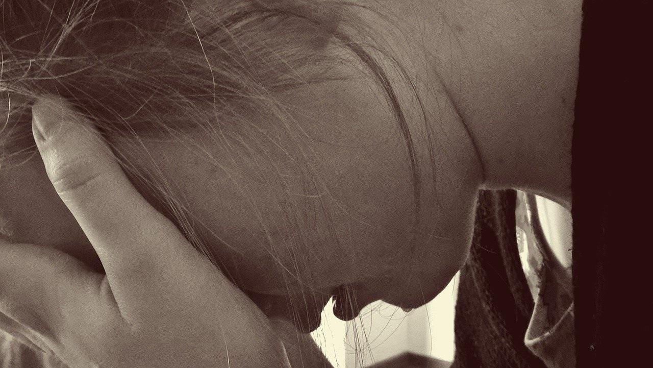 Depressione, chi ne soffre nella prima età adulta ha il 73% di probabilità in più di sviluppare demenza