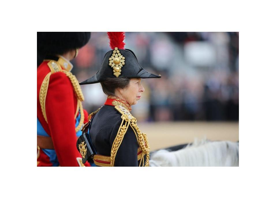 La principessa Anna è l'unica che potrebbe non vestirsi di nero al funerale del padre