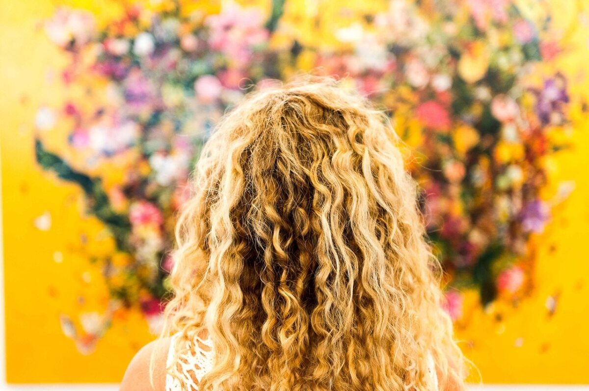 Questa crema Curl Definer è la soluzione per modellare i tuoi ricci