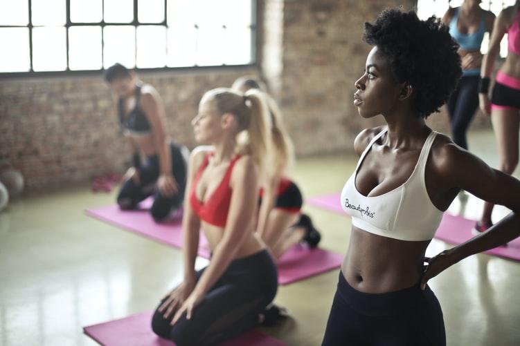 Dalla bici al pilates: 3 sport che aiutano a combattere lo stress