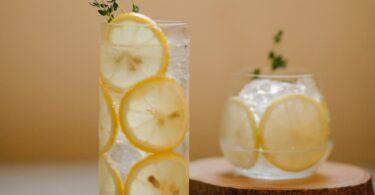 infuso di acqua e limone